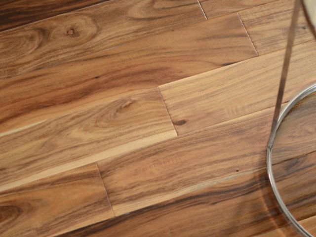 small-leaf-acacia-hardwood-flooring