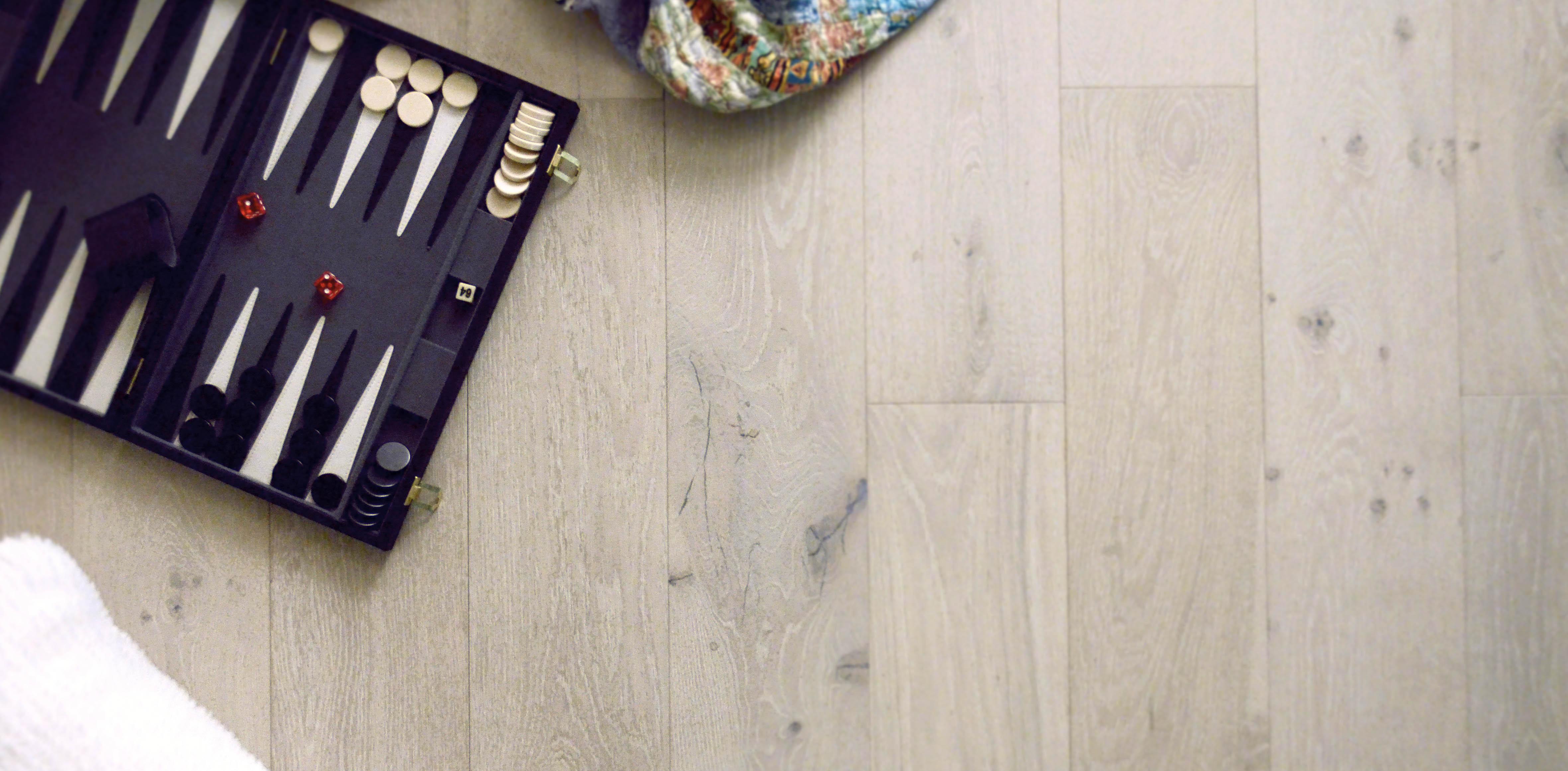 blanc-hardwood-flooring-with-backgammon