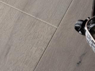 dunthorpe-hardwood-flooring-with-rolling-cart