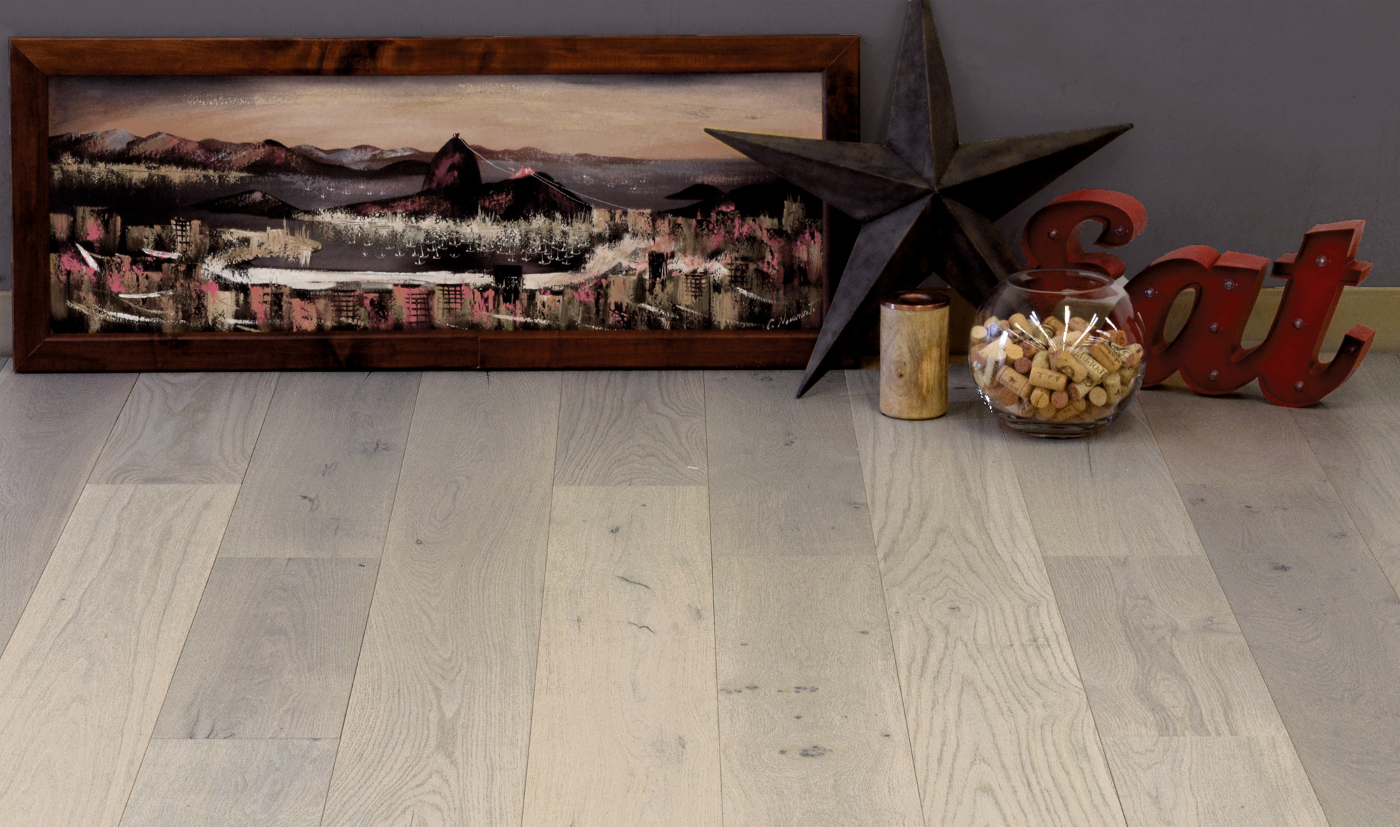 Argent-hardwood-flooring-with-painting_web